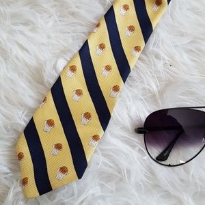 March madness tie yellow college